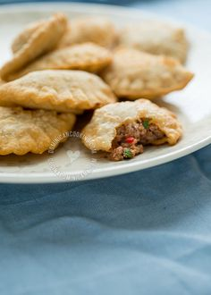 These Empanaditas recipes and pastelitos recipes will add variety and Dominican flavor to your hors d'oeuvres platter. Read More by SimpleByClara Plats Latinos, Fingerfood Party, Good Food, Yummy Food, Comida Latina, Island Food, Caribbean Recipes, Latin Food, International Recipes