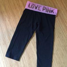 PINK capri leggings Worn a handful of times. Still in good wearing condition! Victoria's Secret Pants Capris