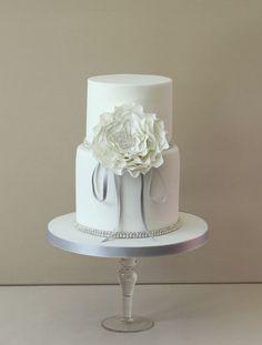 Cake by Pasteleria Alma.