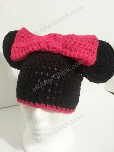 This is the Minnie version of the Mickey Mouse oversized ears hat. Of course Minnie got an oversized red bow to go with those ears. :) This is a…