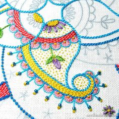 That Color Splashy Embroidered Kaleidoscope Thing – Again. – NeedlenThread.com