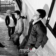 SM Entertainment's vocal coach joins vocal group, 'Question' #allkpop #Kpop #SMTOWN