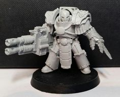 Iron Warriors legionary in modified Cataphractii plate with twin-linked autocannon
