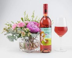 Give mom the Royal Treatment she deserves this Mother's Day with our Award Winning Princess Rosé, now available at your local LCBO! 👑 if you'd like to savour this wine yourself, head over to this Saturday for a sample! Orange Wine, Red Wine, Lunch Items, Sangria Recipes, Leftovers Recipes, Wine List, Wines, Mom, Bottle