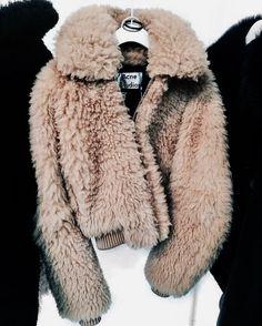 The Autumn Fashion // Fuzzy jacket from Acne Studios. Street Style Inspiration, Inspiration Mode, Style Ideas, Fashion Killa, Look Fashion, Womens Fashion, Fashion Trends, Catwalk Fashion, Latest Fashion