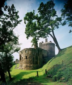 Originally built for James II in 1460, Ravenscraig Castle was home to his widow Queen Mary of Gueldres. Although there is limited access, this is worth a visit - perhaps as part of a day trip incorporating nearby properties like Aberdour Castle.