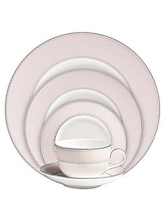 Monique Lhuillier Waterford Dentelle Blush 5 Piece Place Setting at CrystalClassics.Com