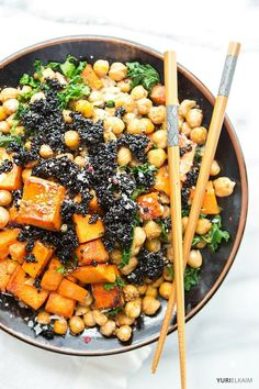 Fill your belly with this delicious, easy vegan Buddha bowl. Nutrient packed and topped with amazing sesame brittle, it will be pure Zen for your tastebuds. | Yuri Elkaim