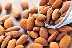 ~~Why Soaked Almonds are Better than Raw Almonds ~~ Rich, crunchy and gorgeous brown cased almonds (badaam) are not just rich in vitamins and nutrients, but they're also a real joy to cook with. Make Almond Milk, Almond Milk Recipes, Raw Food Recipes, Healthy Recipes, Almond Butter, Snack Recipes, Almond Roca, Almond Nut, Healthy Options