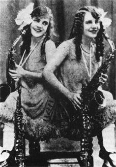 Daisy and Rosetta Hilton, Sideshow performers, Conjoined twins