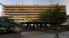 Barbican Estate - 1965-76 by Chamberlin, Powell and Bon - #architecture #googlemaps #googlestreetview #googlestreet #uk #london #brutalism #modernism