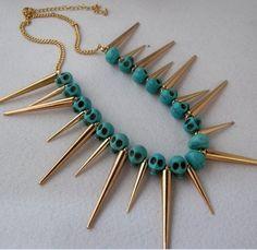 Collana teschio con borchie  * Skull necklace with studs