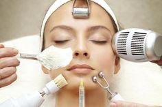 Какие косметологические процедуры лучше делать летом?