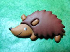 "(1) "" 1&1/2 BROWN HEDGEHOG SHANK CRAFT EMBELLISHMENT BUTTON - Lot#GB223"