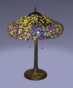 Tiffany Style Stained Cut Glass Victorian Laburnum Table Lamp  #Serenaditalia #TiffanyStainedGlass