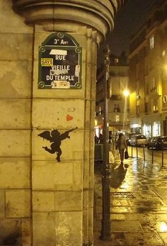 Rue Vieille-du-Temple, un ange passe...  (Paris 3e/4e)