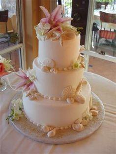 beachy wedding cakes :D oh muh lord I love it!