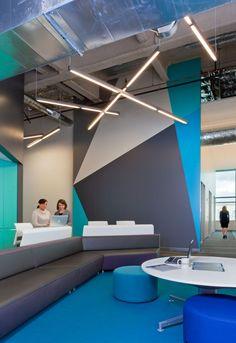 Nice seating area #seatingarea #design #moderndesign http://www.ironageoffice.com/