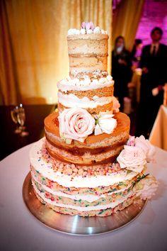 Hilary Duff & Mike Comrie\'s Wedding | Wedding cake, Cake table and Cake