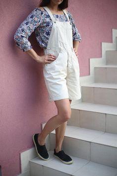 Woman Braces Jeans Beige Shorts / Denim Braces Jeans / Woman Denim Shorts / Woman Vintage Braces Jeans Overall / Teenage Jumsuit Vintage Woman, Vintage Ladies, Beige Shorts, Denim Shorts, Dungarees, Overalls, Burlesque Dress, Vintage Fashion 90s, Jeans Overall