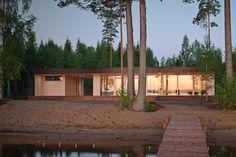 Plushuvila loma-asunto  Valmistumisvuosi 2011 Asiakas: Nelihenkinen perhe Pinta-ala: n.124 m² Sijainti: Etelä-Suomi Pääsuunnittelu Plusarkkitehdi