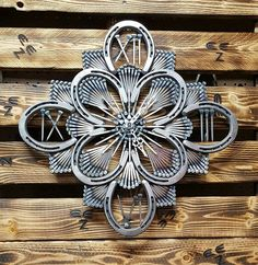 Passionate found metal welding crafts like this Welding Art Projects, Welding Crafts, Metal Projects, Metal Crafts, Diy Welding, Welding Design, Blacksmith Projects, Welding Ideas, Diy Projects