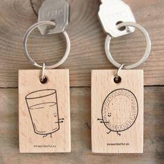 Llavero vaso y galleta. Se vende en: www.mrwonderfulshop.es