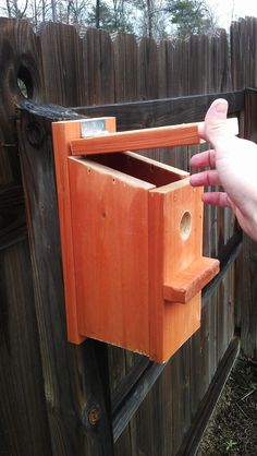 DIY: 15-Minute Bluebird House. Cost: $0-5 #easybirdhouses