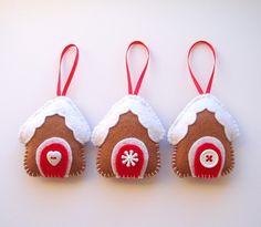 Felt gingerbread house ornaments - *plotz*