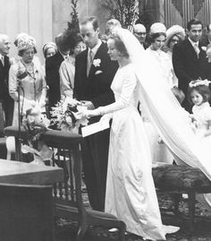 Mariage religieux du prince Charles de HesseCassel et Yvonne Szapary de Muraszombath à La Haye PaysBas le 19 avril 1966