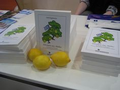 Mit vielen Rezepten, zu denen Zitronen as gewisse Extra geben.  www.groessenwahn-verlag.de