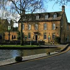 Old Manse Hotel Bourton on the Water, a country Inn in the Venice of the Cotswolds