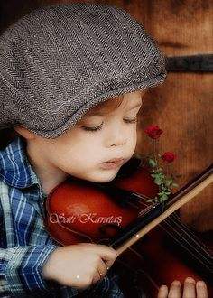 The violinist - photo by shelbi lynn photography - Too cute! Precious Children, Beautiful Children, Beautiful Babies, Happy Children, Baby Kind, Baby Love, Little People, Little Boys, Cute Kids