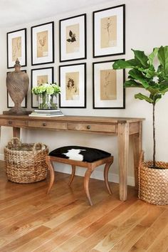 Functional Small Entryway Decoration Ideas