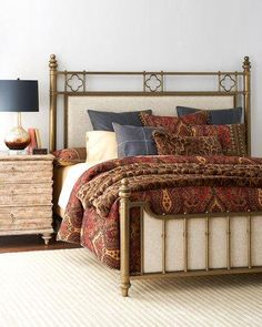 -6VE1   Carly Bedside Chest Carly Eastern King Bed Carly Queen Bed