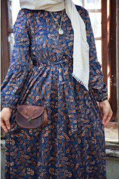 Blue Velvet Dress with Flower Pattern - Cream facial Abaya Fashion, Fashion Wear, Fashion Dresses, Islamic Fashion, Muslim Fashion, Floral Dress Outfits, Simple Pakistani Dresses, Mode Abaya, Long Gown Dress