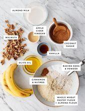 Pain aux bananes sain Banana Bread French Toast, Healthy Banana Bread, Oatmeal, Vegan, Breakfast, Food, Healthy Breads, Simple Banana Bread, Whole Wheat Flour