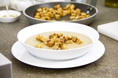 Abbiamo deciso di provare la vellutata di lenticchie cucinate nel modo classico ma alla fine arricchite dal sapore e profumo di curry.