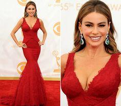 Mindenki belepirult! A színésznő túl merész ruhát választott az Emmy-díjátadóra | femina.hu