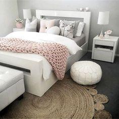 Dusty Pink Bedroom, Rose Bedroom, Pink Bedrooms, Bedroom Black, Girls Bedroom, Bedroom Yellow, Master Bedroom, Master Suite, Couple Bedroom