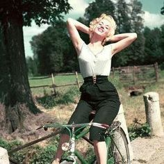 Marlin Monroe on a bike