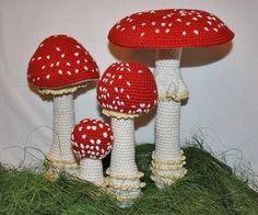 Mushroom - crochet pattern - Toadstool (Fly Agaric), PDF in English, Deutsch Crochet Fruit, Crochet Food, Crochet Flowers, Knit Crochet, Crochet Mushroom, Diy And Crafts, Crafts For Kids, Crochet Fairy, Cute Dragons