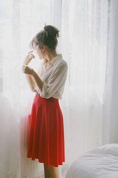 No sewing :) Ruffle skirt tutorial red skirt petticoat tutorial Moda Popular, Look Fashion, Fashion Beauty, Fashion Models, Mode Pop, Looks Style, My Style, Handmade Skirts, Business Portrait