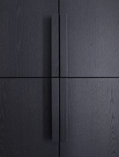 | DETAILS | #PietBoon Styling by #KarinMeyn | Black wooden cabinet detail.///////www.bedreakustik.dk/home Dedicated to deliver superior interior acoustic experince.#pinoftheday///////