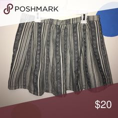 Patterned Skirt This skirt is so cute, it has a zipper in the back but you can't really see it. Skirts Mini