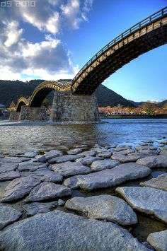 Kintai-Kyo Bridge A landmark historical bridge about an hour from Hiroshima on a very cold and windy day. Yamaguchi, Places To Travel, Places To See, Beautiful World, Beautiful Places, Timor Oriental, Macao, Japanese Travel, Arch Bridge