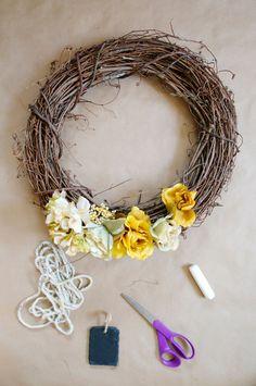 DIY // 5-Minute Fall Wreath // neverhomemaker