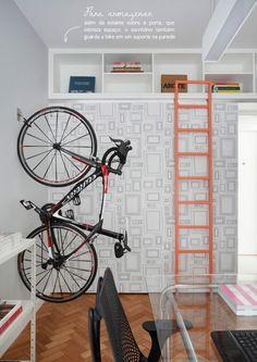 home office + hanging bike #decor #escritórios #homeoffice