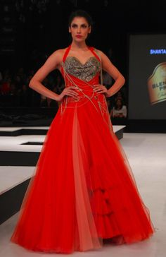 Run away brides shall change their plans when they witness the Shantanu and Nikhil magic.