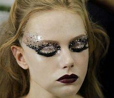 lamorbidezza: Frida Gustavsson Backstage at Christian Dior...